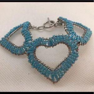 Jewelry - Blue bead heart bracelet